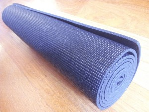 Inexpensive_Yoga_Mats_YA-roll
